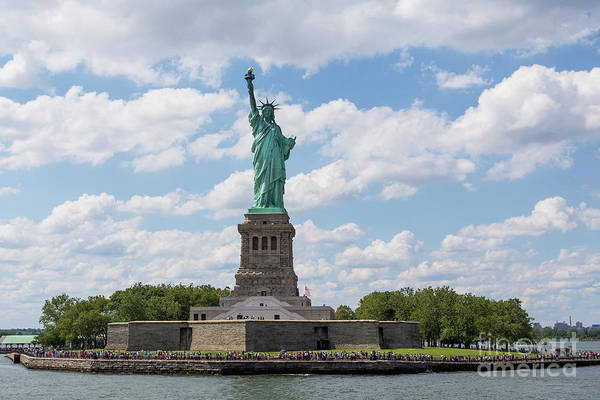 Photograph - Statue Of Liberty by Sanjeev Singhal