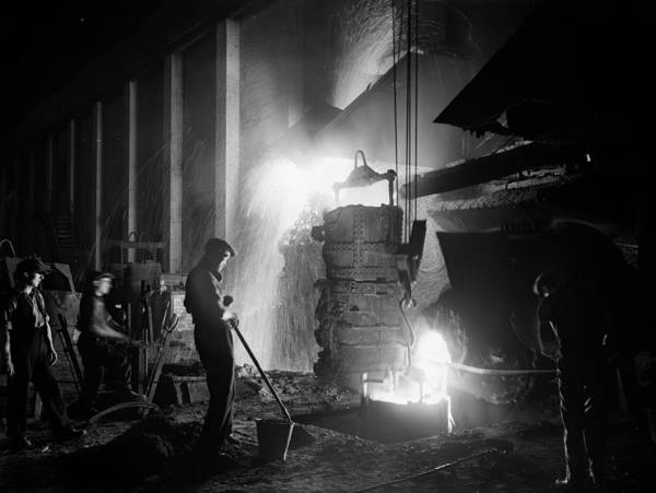 Man Of Steel Wall Art - Photograph - Steelworkers by Fox Photos