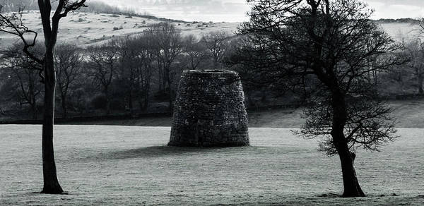Photograph - Stone Building Near Hopton Incline by Scott Lyons