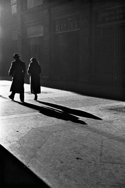 Photograph - Street Scene  Circa 1932 by Alfred Eisenstaedt