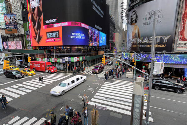 Wall Art - Photograph - Stretch Limousine New York by David Pyatt