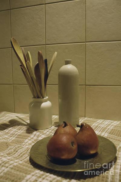 Photograph - Subtly Pears by Elaine Teague