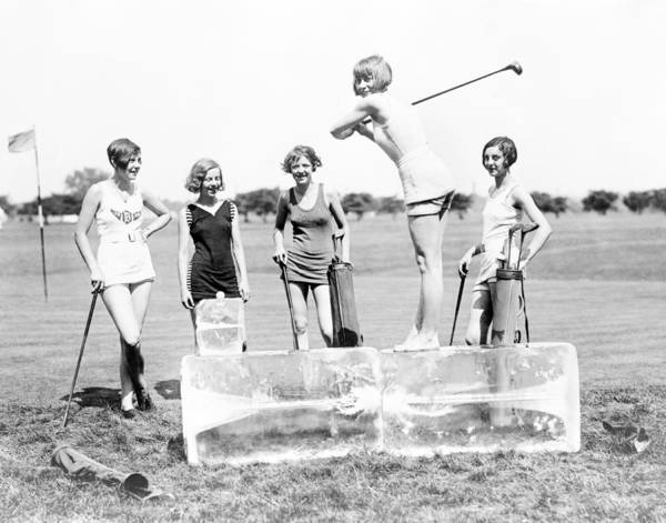 Wall Art - Photograph - Summer Fun, 1920s by Science Source