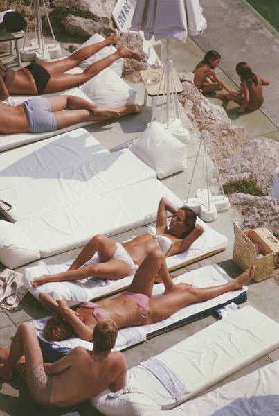 Group Of People Photograph - Sunbathers At Eden Roc by Slim Aarons