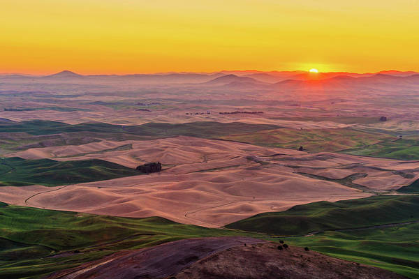 Digital Art - Sunrise At Steptoe Butte State Park by Michael Lee