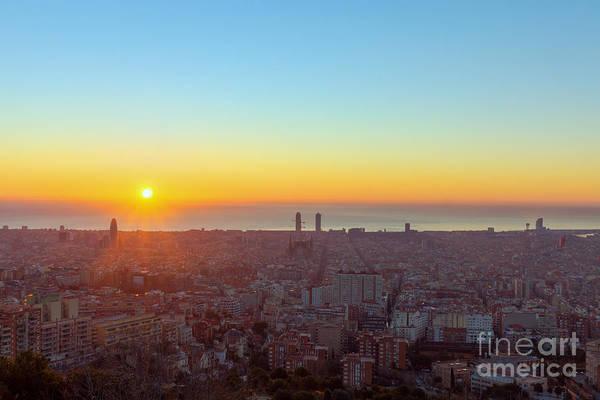 Night View Wall Art - Photograph - Sunrise In Barcelona by Bildagentur Zoonar Gmbh