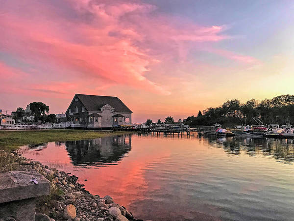 Kennebunkport Maine Photograph - Sunset At Chicks Marina by Donna Kennedy