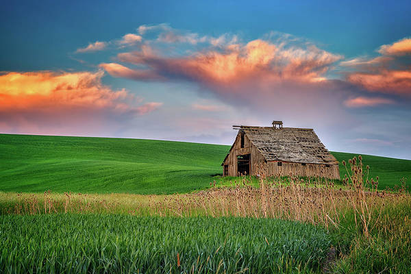 Photograph - Sunset At The Old Barn by Rick Berk