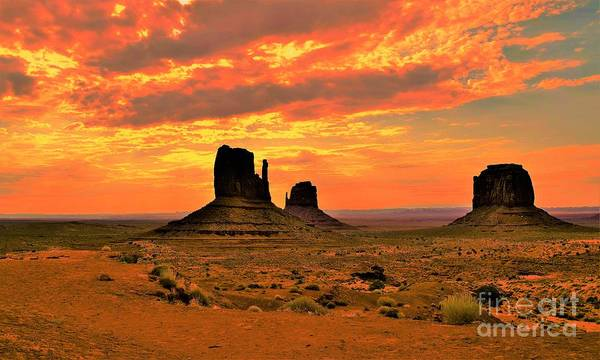 Wall Art - Photograph - Sunset In Monument Valley by Suzanne Wilkinson