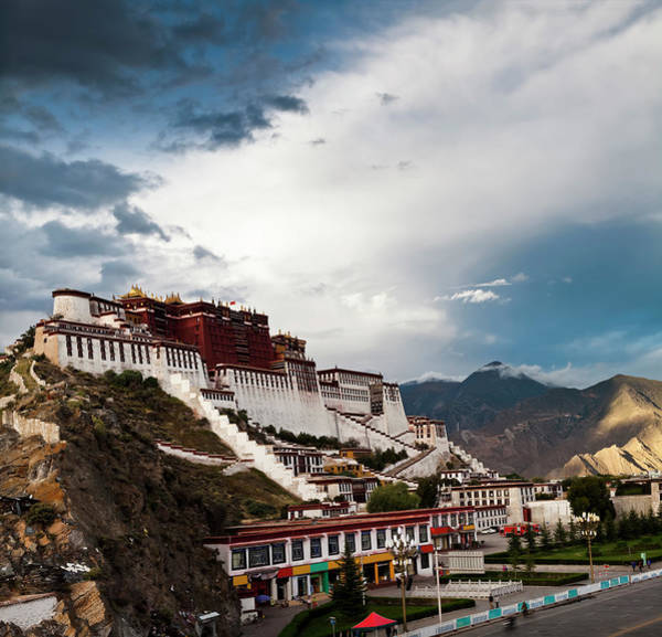 Wall Art - Photograph - Sunset Of Potala Palace In Lhasa by Loonger