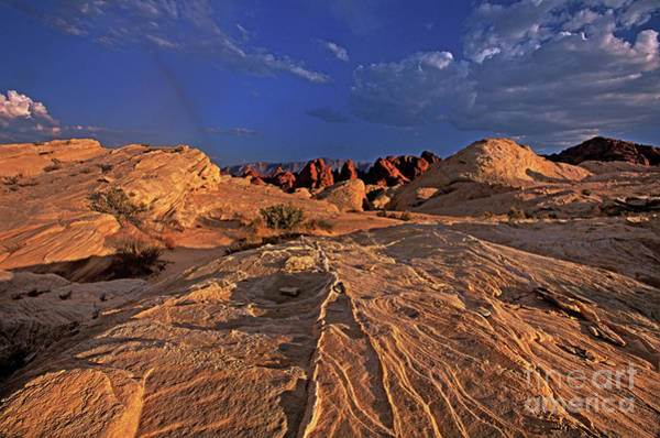 Photograph - Sunset Over The Valley Of Fire State Park Nevada by Dave Welling