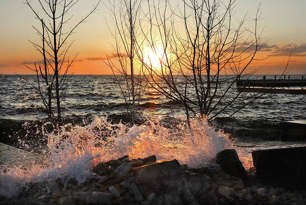 Photograph - Sunset Splash 2 by David T Wilkinson
