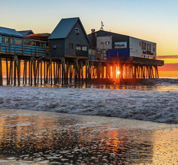 Photograph - Sunstar At Pier Patio Old Orchard Beach by Dan Sproul