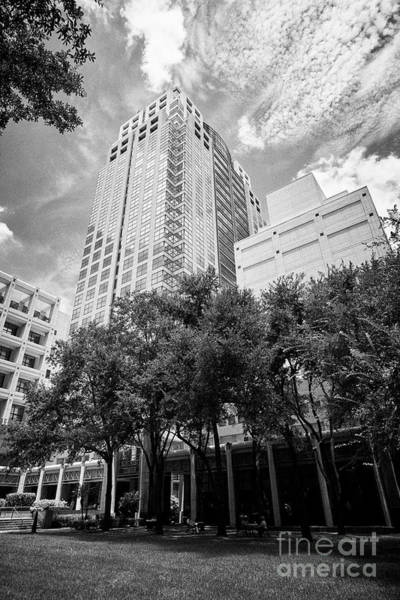 Wall Art - Photograph - Suntrust Tower Building Orlando Florida Usa by Joe Fox