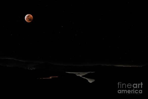 Super Blood Wolf Moon Eclipse Over Lake Casitas At Ventura County, California Art Print