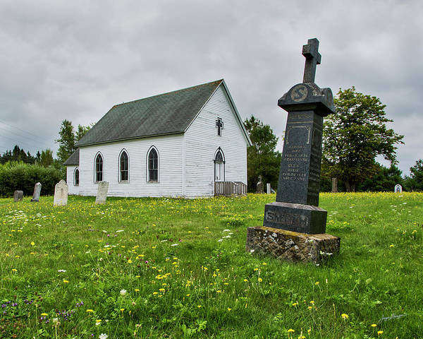 Cemetery Ridge Photograph - Surrounded By Graves by Jurgen Lorenzen