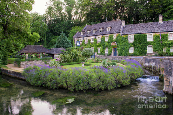 English Countryside Photograph - Swan Hotel Bibury by Tim Gainey