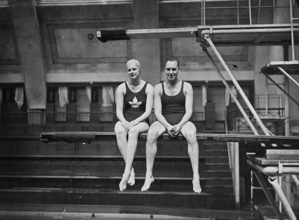 Heterosexual Couple Photograph - Swimming Courtship by A Hudson