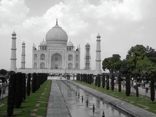 Wall Art - Photograph - Taj Mahal by Uma Krishnamoorthy