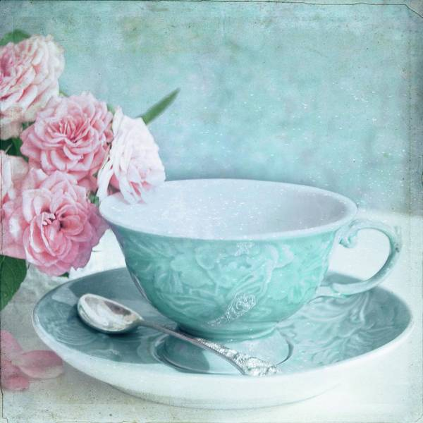 Blue Spoon Photograph - Tea Cup And Roses by Sonia Martin Fotografias - Www.aquesabenlasnubes.com
