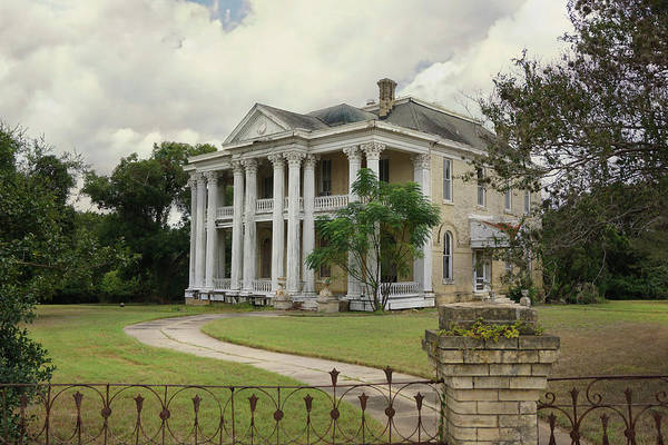 Photograph - Texas Mansion In Ruin by Kelly Gomez
