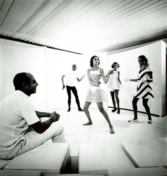 Cushion Photograph - The 1968 Collection Of Andre Courreges by Manuel Litran