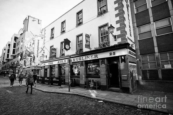 Wall Art - Photograph - The Auld Dubliner Pub Temple Bar Dublin Republic Of Ireland Europe by Joe Fox