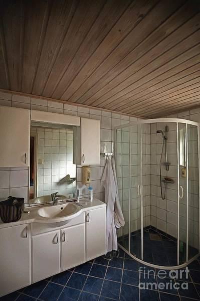Photograph - The Bathroom by Eva Lechner