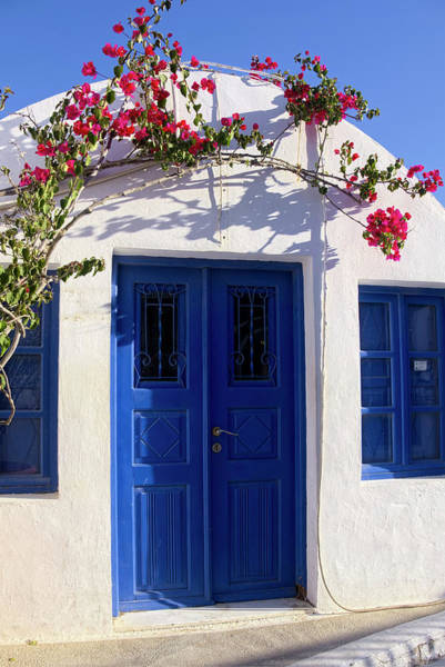 Photograph - The Beautiful Colors Of Santorini by Lucinda Walter