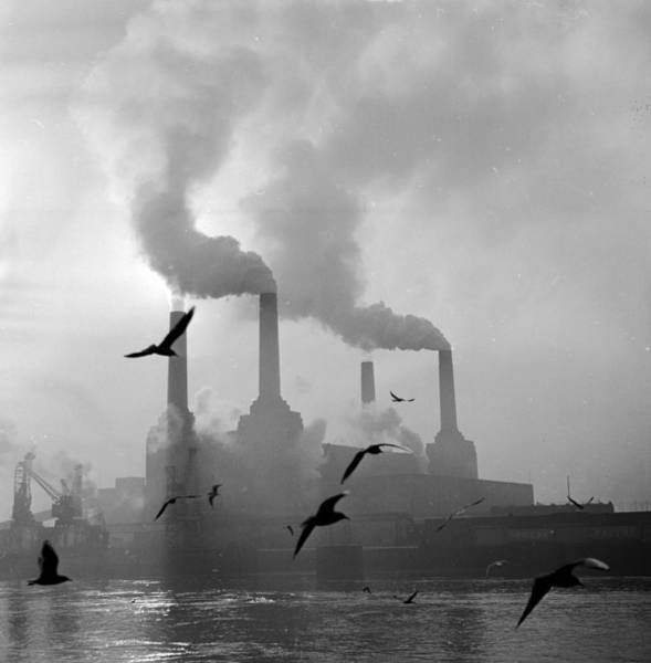 Pollution Photograph - The Big Smoke by Central Press