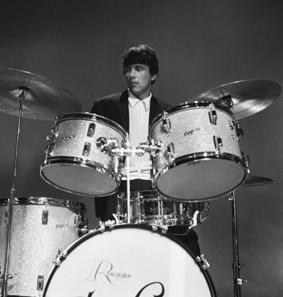 Rock Music Photograph - The Dave Clark Five by Michael Ochs Archives