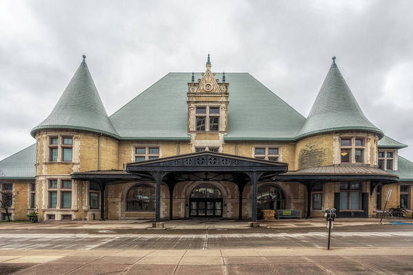 Photograph - The Duluth Depot by Susan Rissi Tregoning