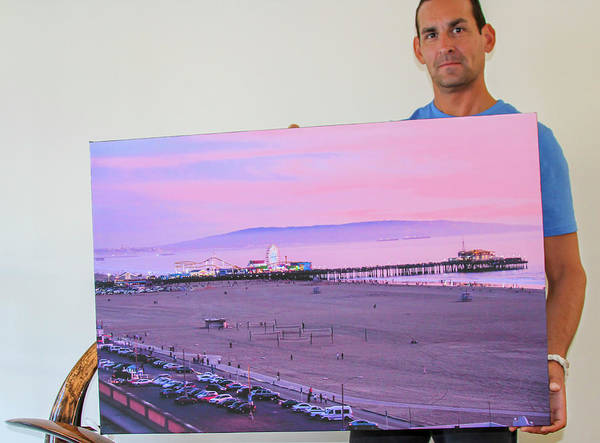 Photograph - The Happy Art Collector - Malibu, Ca by Gene Parks