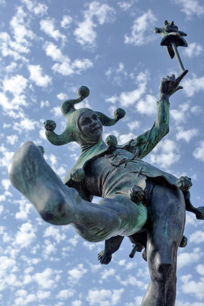 Photograph - The Jester In Stratford by Paul Cowan