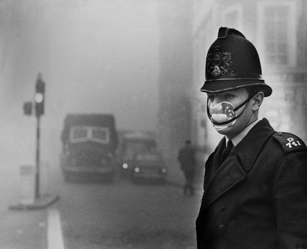 Police Force Photograph - The Killer Fog Continues In United by Keystone-france