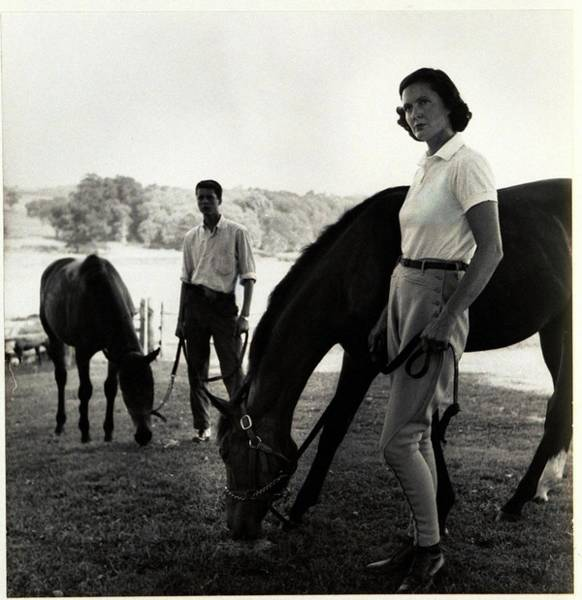 Outdoor Photograph - The Ledyards, Riding by Toni Frissell
