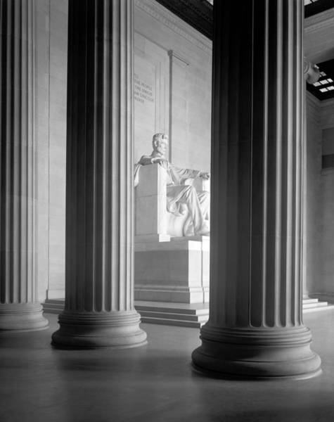 Wall Art - Photograph - The Lincoln Memorial Interior - Circa 1925 by War Is Hell Store