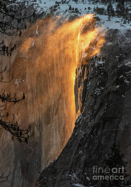 Wall Art - Photograph - The Magical Natural Phenomena Known As Fire Fall. by Jamie Pham