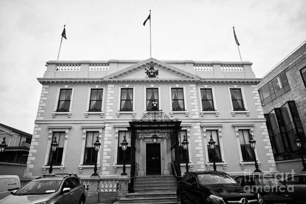 Wall Art - Photograph - The Mansion House Dawson Street Dublin Home To The Lord Mayor Of Dublin And Meeting Place Of Dail Ei by Joe Fox