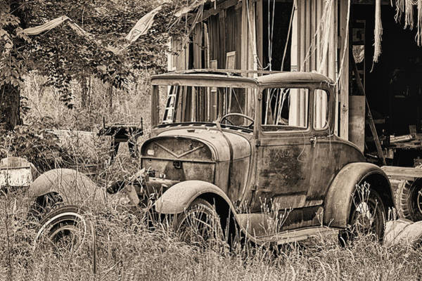 Photograph - The Mechanic's Barn by JC Findley