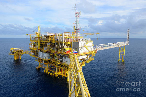 Pollution Photograph - The Offshore Oil Rig In The Gulf Of by Num skyman