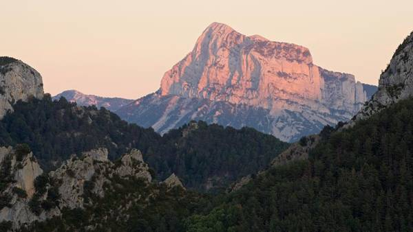 Photograph - The Pena Montanesa by Stephen Taylor