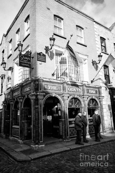 Wall Art - Photograph - The Quays Bar And Restaurant Temple Bar Dublin Republic Of Ireland Europe by Joe Fox