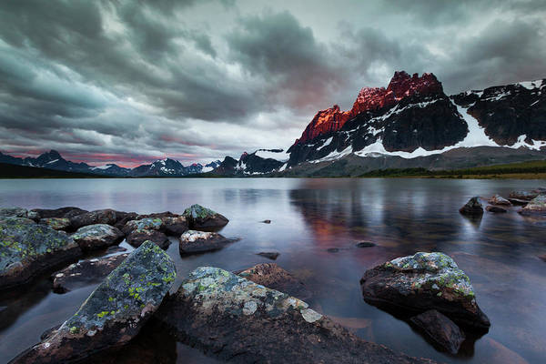 Art In Canada Photograph - The Ramparts Over Amethyst Lake, Jasper by Mint Images/ Art Wolfe