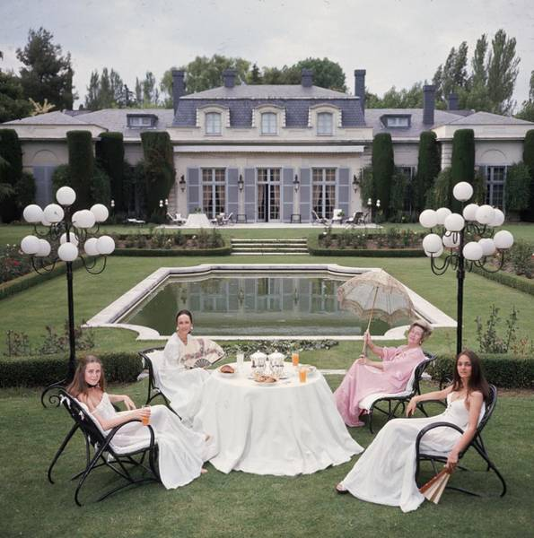 1970 Photograph - The Romanones by Slim Aarons