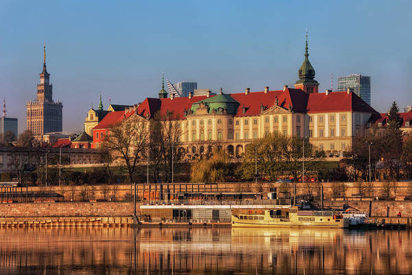 Wall Art - Photograph - The Royal Castle In Warsaw At Sunrise by Artur Bogacki