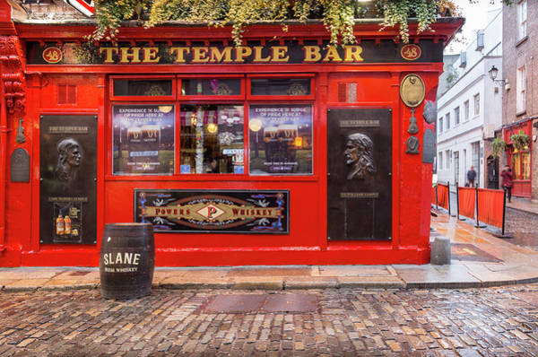 Temple Bar Wall Art - Photograph - The Temple Bar In Dublin by Georgia Fowler