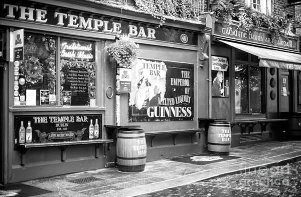 The Keg Photograph - The Temple Bar Pub Dublin by John Rizzuto