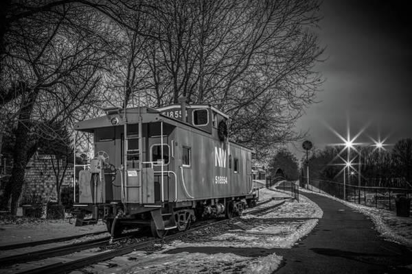 Warrenton Wall Art - Photograph - The Train Depot Bw by Alfredo Alegrett