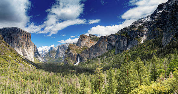 Photograph - The Tunnel View by Gaylon Yancy